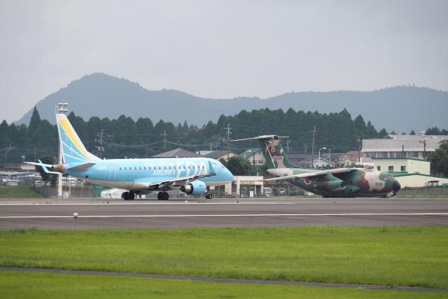 ワイエスさんが、鹿児島空港で撮影したフジドリームエアラインズ ERJ-170-100 (ERJ-170STD)の航空フォト(飛行機 写真・画像)