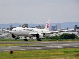 worldstarさんが、伊丹空港で撮影した日本航空 777-246/ERの航空フォト(飛行機 写真・画像)