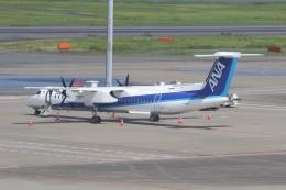 サリーちゃんのパパさんが、羽田空港で撮影したANAウイングス DHC-8-402Q Dash 8の航空フォト(飛行機 写真・画像)