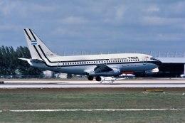パール大山さんが、マイアミ国際空港で撮影したTACA航空 737-2A1/Advの航空フォト(飛行機 写真・画像)