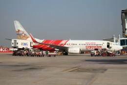 BTYUTAさんが、ワーラーナシー空港で撮影したエア・インディア・エクスプレス 737-8HGの航空フォト(飛行機 写真・画像)