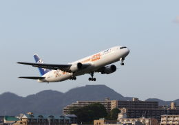 mocohide☆さんが、福岡空港で撮影した全日空 767-381/ERの航空フォト(飛行機 写真・画像)