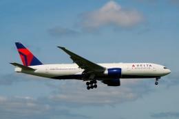ちっとろむさんが、成田国際空港で撮影したデルタ航空 777-232/LRの航空フォト(飛行機 写真・画像)