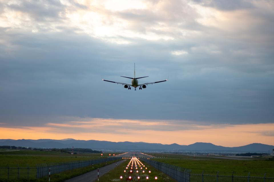 チャッピー・シミズさんのAIR DO Boeing 737-700 (JA09AN) 航空フォト
