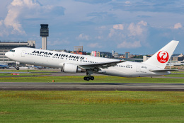 JA56SSさんが、伊丹空港で撮影した日本航空 767-346/ERの航空フォト(飛行機 写真・画像)
