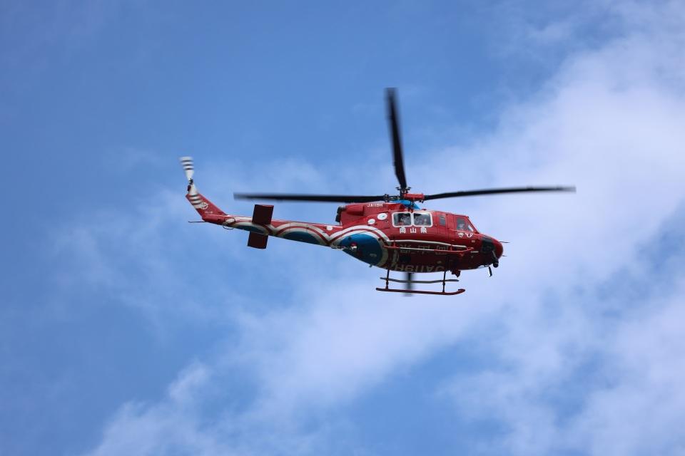 MIRAGE E.Rさんの岡山県消防防災航空隊 Bell 412 (JA119H) 航空フォト