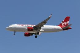takoyanさんが、マッカラン国際空港で撮影したヴァージン・アメリカ A320-214の航空フォト(飛行機 写真・画像)
