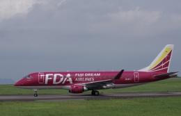 ラムさんが、静岡空港で撮影したフジドリームエアラインズ ERJ-170-200 (ERJ-175STD)の航空フォト(飛行機 写真・画像)