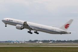 航空フォト:B-2043 中国国際航空 777-300