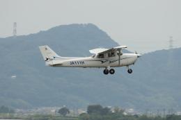 MIRAGE E.Rさんが、岡南飛行場で撮影した学校法人ヒラタ学園 航空事業本部 172S Skyhawk SPの航空フォト(飛行機 写真・画像)