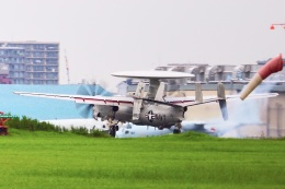 飛行機ゆうちゃんさんが、厚木飛行場で撮影したアメリカ海軍 E-2D Advanced Hawkeyeの航空フォト(飛行機 写真・画像)