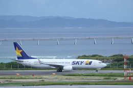 安芸あすかさんが、那覇空港で撮影したスカイマーク 737-8ALの航空フォト(飛行機 写真・画像)
