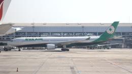 誘喜さんが、スカルノハッタ国際空港で撮影したエバー航空 A330-302の航空フォト(飛行機 写真・画像)