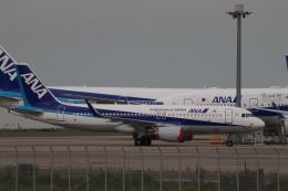 imosaさんが、羽田空港で撮影した全日空 A320-214の航空フォト(飛行機 写真・画像)