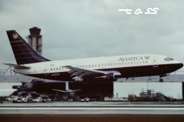tassさんが、マイアミ国際空港で撮影したアビアテカ 737-2H6/Advの航空フォト(飛行機 写真・画像)