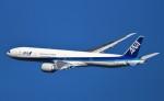 鉄バスさんが、伊丹空港で撮影した全日空 777-381/ERの航空フォト(飛行機 写真・画像)