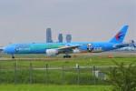 みるぽんたさんが、成田国際空港で撮影した中国東方航空 777-39P/ERの航空フォト(飛行機 写真・画像)