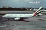 tassさんが、シンガポール・チャンギ国際空港で撮影したエミレーツ航空 A310-308の航空フォト(飛行機 写真・画像)