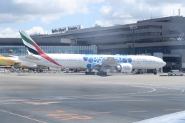職業旅人さんが、成田国際空港で撮影したエミレーツ航空 777-36N/ERの航空フォト(飛行機 写真・画像)