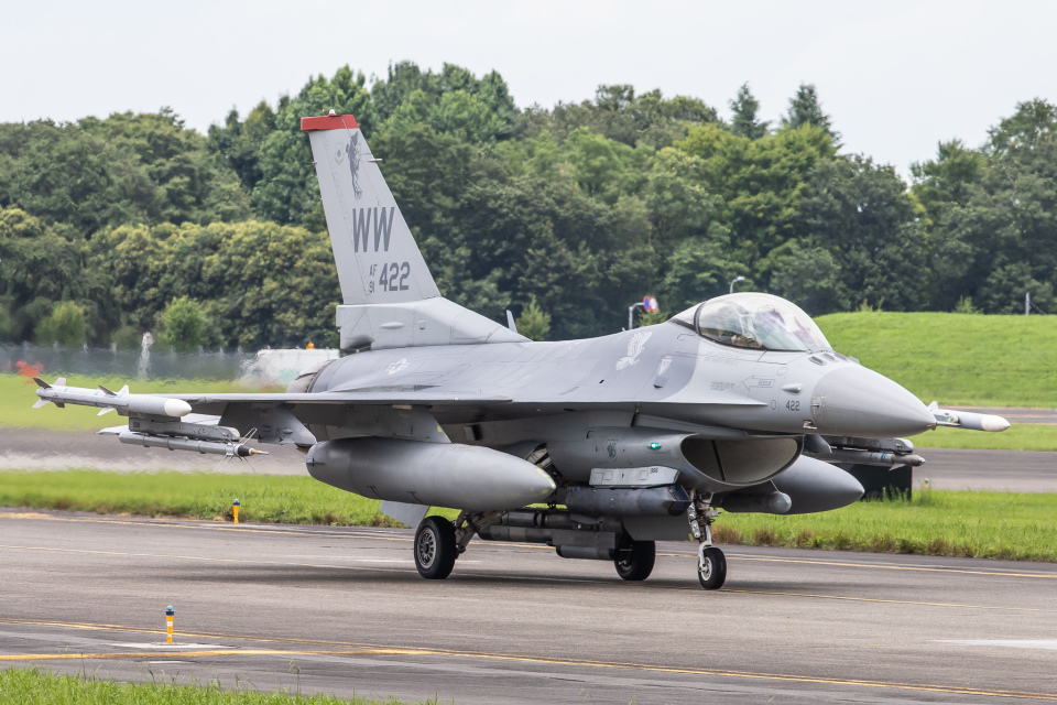 KANTO61さんのアメリカ空軍 General Dynamics F-16 Fighting Falcon (91-0422) 航空フォト