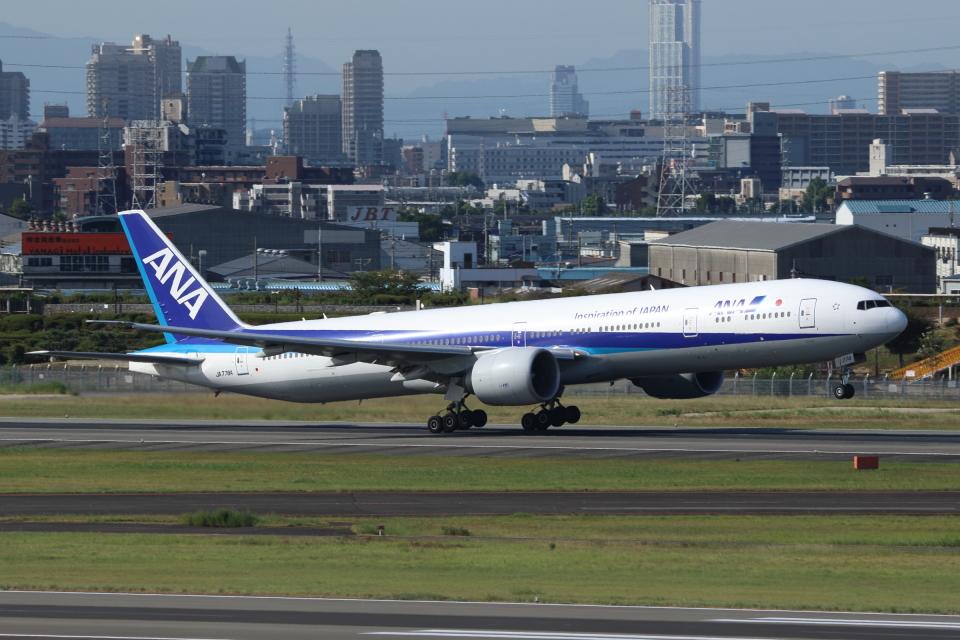kaz787さんの全日空 Boeing 777-300 (JA778A) 航空フォト