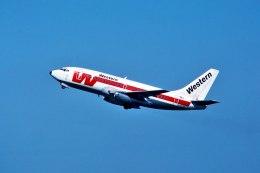 パール大山さんが、サンフランシスコ国際空港で撮影したウェスタン航空 737-247の航空フォト(飛行機 写真・画像)