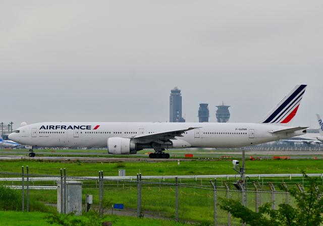 雲霧さんが、成田国際空港で撮影したエールフランス航空 777-328/ERの航空フォト(飛行機 写真・画像)