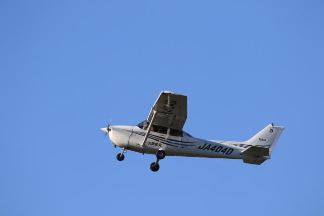 TAK_HND_NRTさんが、高松空港で撮影した大阪航空 172R Skyhawkの航空フォト(飛行機 写真・画像)