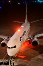 Dojalanaさんが、新千歳空港で撮影した日本航空 737-846の航空フォト(飛行機 写真・画像)