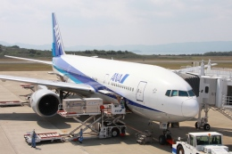 Hiro-hiroさんが、長崎空港で撮影した全日空 777-281の航空フォト(飛行機 写真・画像)