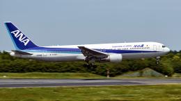 FlyingMonkeyさんが、成田国際空港で撮影した全日空 767-381/ERの航空フォト(飛行機 写真・画像)