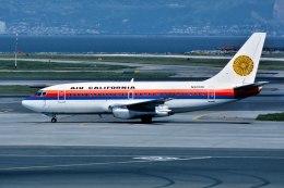 パール大山さんが、サンフランシスコ国際空港で撮影したエアカル 737-222の航空フォト(飛行機 写真・画像)