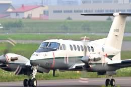YouKeyさんが、札幌飛行場で撮影した陸上自衛隊 LR-2の航空フォト(飛行機 写真・画像)