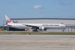 神宮寺ももさんが、那覇空港で撮影した日本航空 777-346の航空フォト(飛行機 写真・画像)