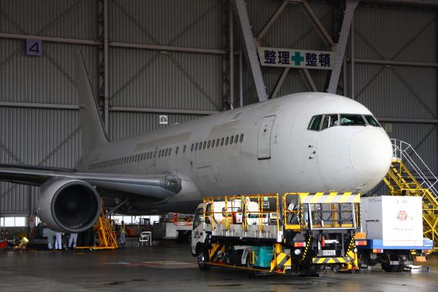 Hiro-hiroさんが、羽田空港で撮影した日本航空 767-246の航空フォト(飛行機 写真・画像)