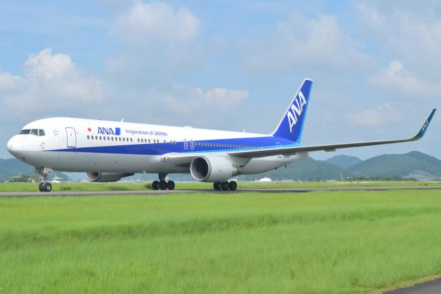 Tango-4さんが、高知空港で撮影した全日空 767-381/ERの航空フォト(飛行機 写真・画像)