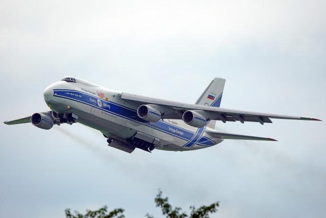 ちゃぽんさんが、成田国際空港で撮影したヴォルガ・ドニエプル航空 An-124-100M Ruslanの航空フォト(飛行機 写真・画像)