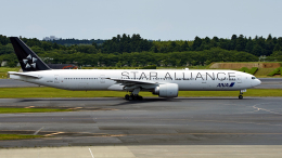 FlyingMonkeyさんが、成田国際空港で撮影した全日空 777-381/ERの航空フォト(飛行機 写真・画像)