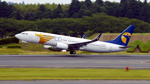 FlyingMonkeyさんが、成田国際空港で撮影したMIATモンゴル航空 737-8SHの航空フォト(飛行機 写真・画像)