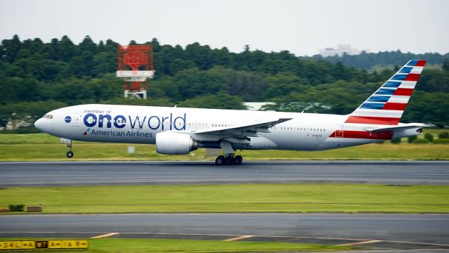 FlyingMonkeyさんが、成田国際空港で撮影したアメリカン航空 777-223/ERの航空フォト(飛行機 写真・画像)