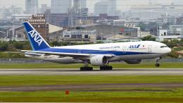 FlyingMonkeyさんが、伊丹空港で撮影した全日空 777-281の航空フォト(飛行機 写真・画像)