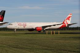 JETBIRDさんが、トロワリヴィエール空港で撮影したエア・カナダ・ルージュ A321-211の航空フォト(飛行機 写真・画像)