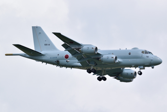 hirohiro77さんが、札幌飛行場で撮影した海上自衛隊 P-1の航空フォト(飛行機 写真・画像)