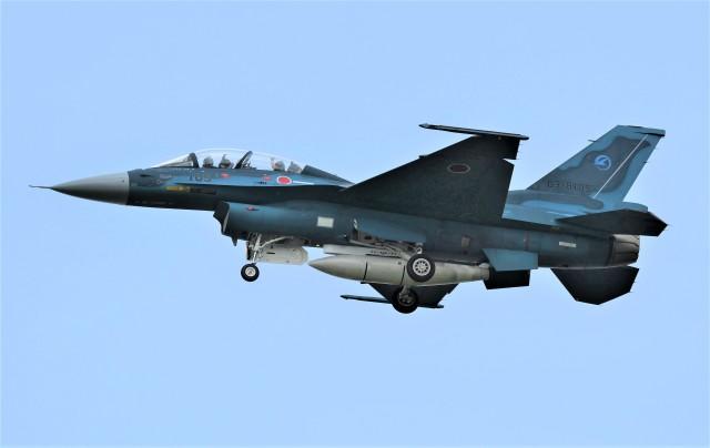 kiheiさんが、名古屋飛行場で撮影した航空自衛隊 F-2Bの航空フォト(飛行機 写真・画像)