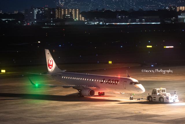 Kenny600mmさんが、伊丹空港で撮影したジェイ・エア ERJ-190-100(ERJ-190STD)の航空フォト(飛行機 写真・画像)