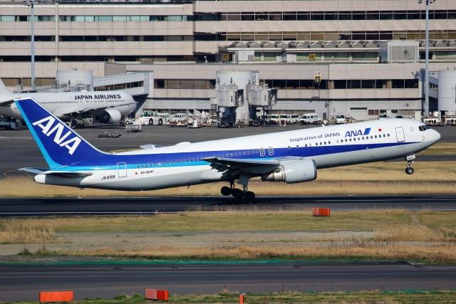 ばっきーさんが、羽田空港で撮影した全日空 767-381/ERの航空フォト(飛行機 写真・画像)