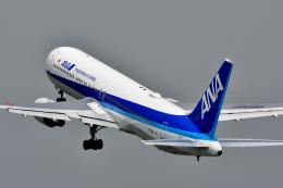 @たかひろさんが、伊丹空港で撮影した全日空 767-381/ERの航空フォト(飛行機 写真・画像)
