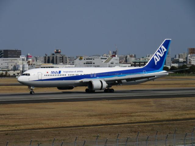 LOVE767さんが、伊丹空港で撮影した全日空 767-381/ERの航空フォト(飛行機 写真・画像)
