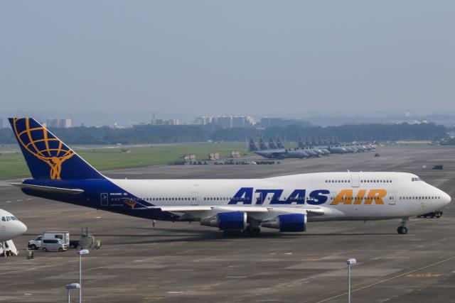 スカイチームKMJ ももこさんが、横田基地で撮影したアトラス航空 747-446の航空フォト(飛行機 写真・画像)