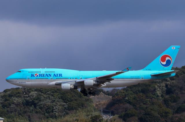 スカイチームKMJ ももこさんが、福岡空港で撮影した大韓航空 747-4B5の航空フォト(飛行機 写真・画像)